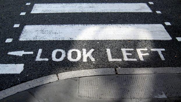 Бесплатные фото асфальт,дорога,пешеходный,переход,бордюр,надпись,разное