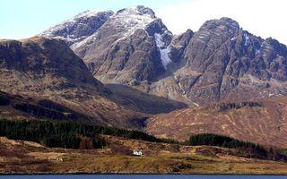 Бесплатные фото горы,вершины,снег,скалы,деревья,дом,пейзажи