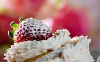 Бесплатные фото клубника,сахарная,пудра,десерт,сливки,крем,пирожное