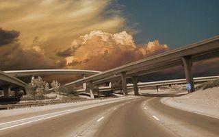 Обои мост, эстакада, тучи, небо, дорога, асфальт, разсетка, линии, деревья, город