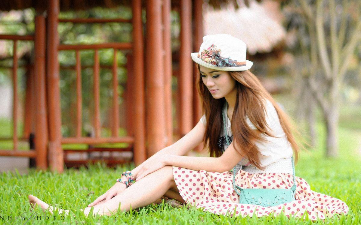 Фото бесплатно девочка, шляпа, волосы - на рабочий стол