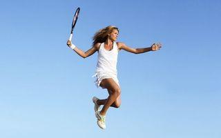 Заставки девушка, теннис, ракетка, кроссовки, майка, юбка, спорт