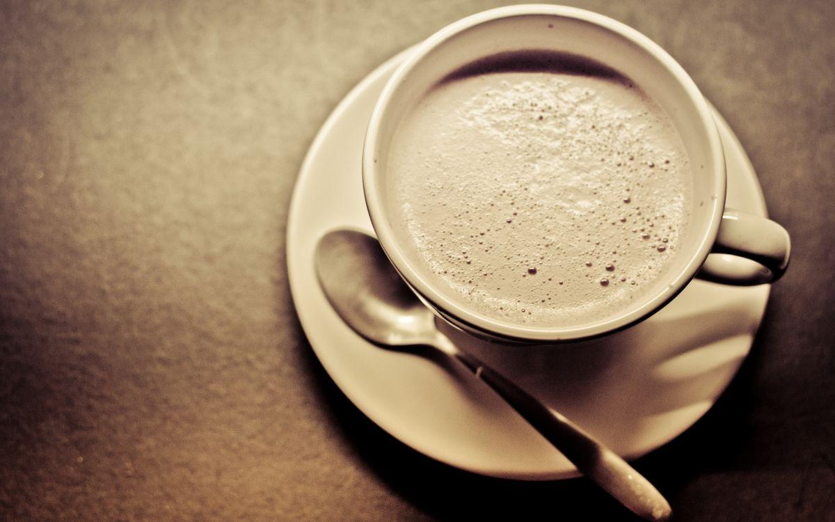 Фото бесплатно кофе, пенка, чашка, ложка, стол, утро, еда, еда