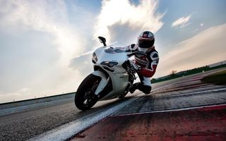 Photo free motorcycle racing, track, racer