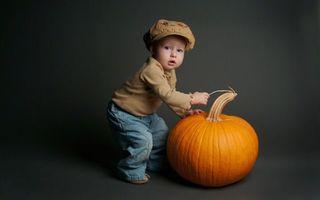 Бесплатные фото ребенок,мальчик,маленький,тыква,шапка,сцена,фото