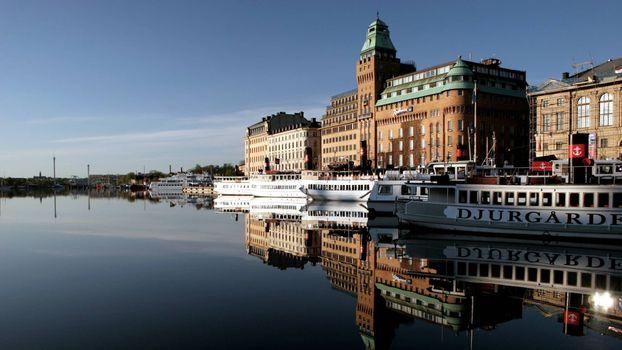 Бесплатные фото река,речные трамвайчики,пристань,дома,здания