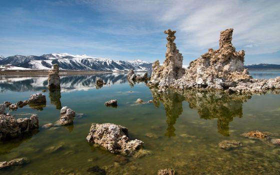 Фото бесплатно скальные сталактитные рифы, горные снежные хребты, морской залив