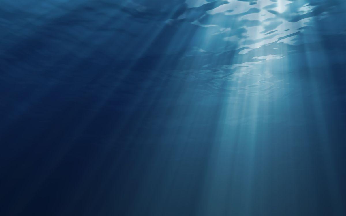 Картинка волны, вода, глубина, синее, жидкость, море, океан, лучи, подводный мир на рабочий стол. Скачать фото обои подводный мир
