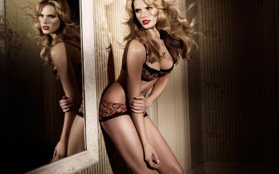 Photo free anna vyalitsyna, underwear, mirror