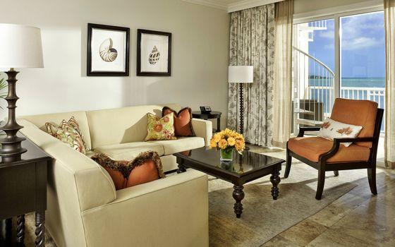 Photo free living room, sofa, table