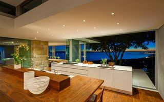 Бесплатные фото кухня,студия,потолок,свет,стол,стул,интерьер