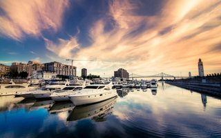 Бесплатные фото дома,город,река,мост,яхты,здания,небо