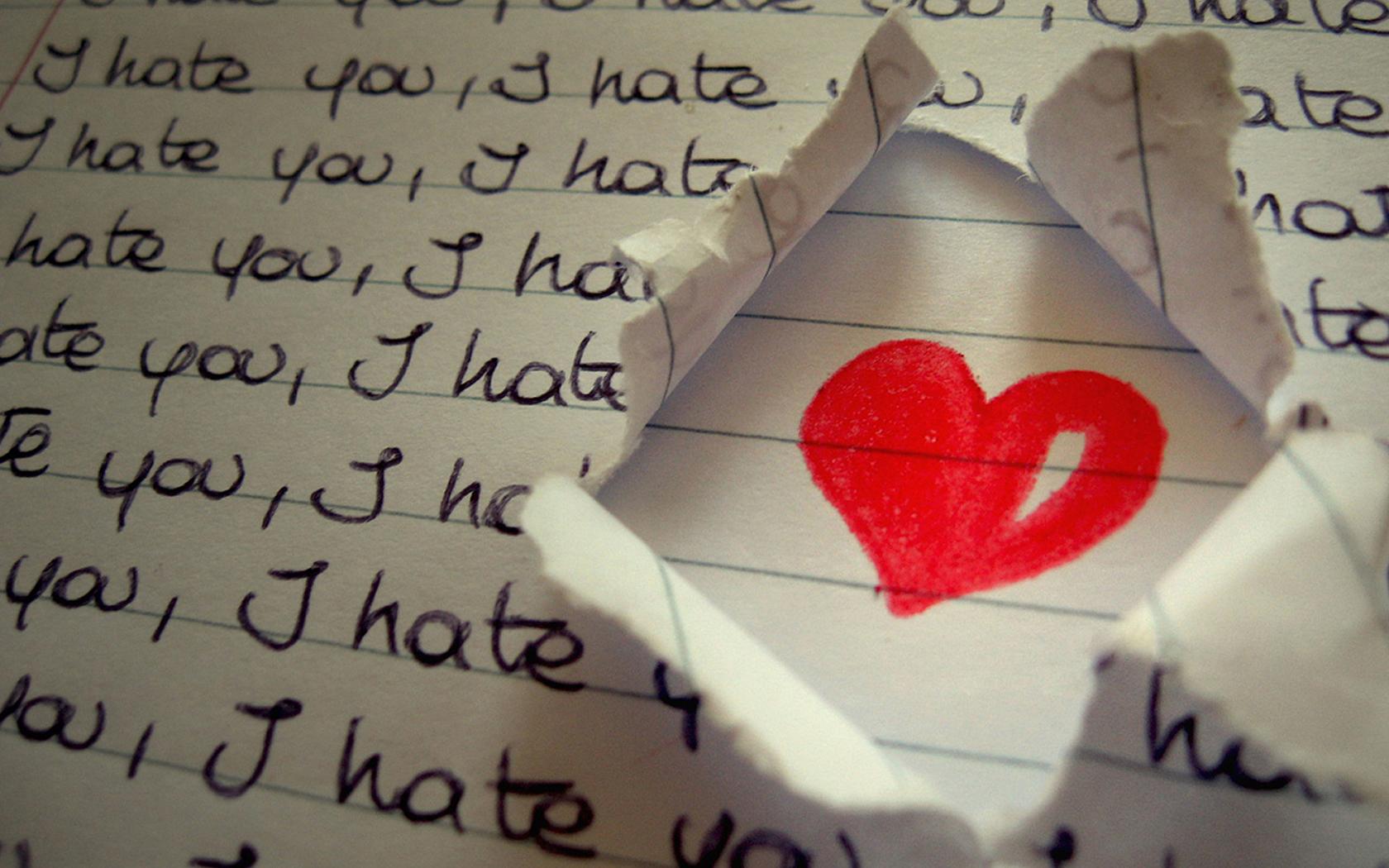 сердечко, лист бумаги, разорванный