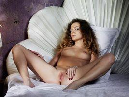 Бесплатные фото alyssa-a,киска,hot,xxx,бринетка,эротика