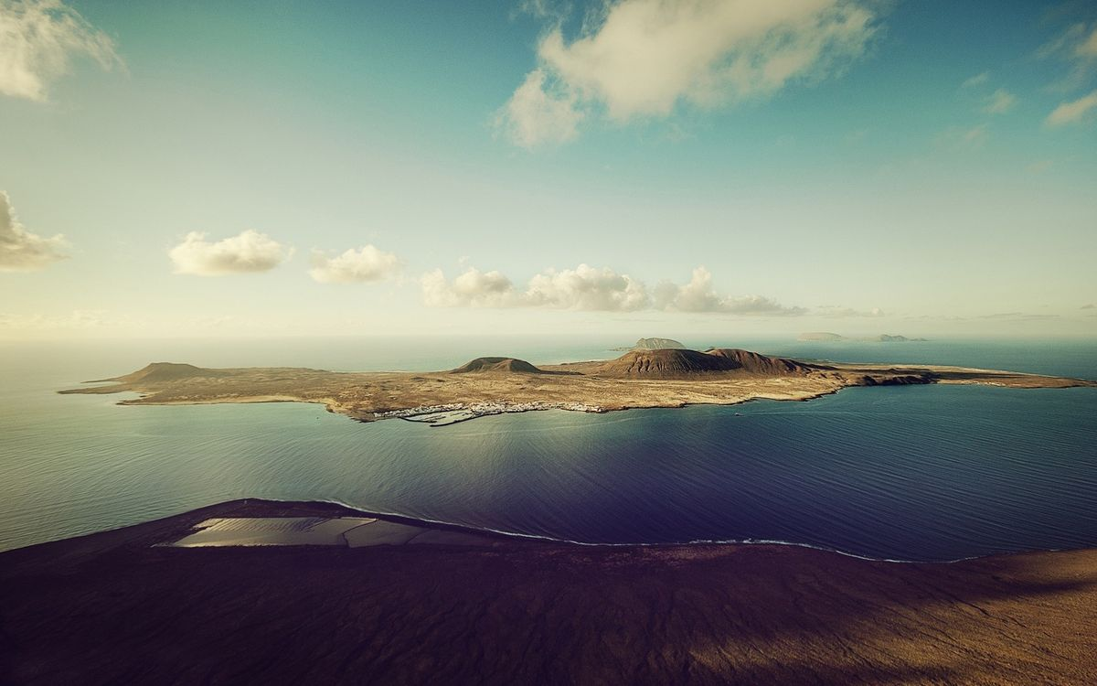 Фото бесплатно остров, океан, возвышенности - на рабочий стол
