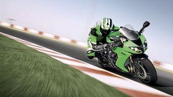 Фото бесплатно гонка, мотоцикл, гонщик