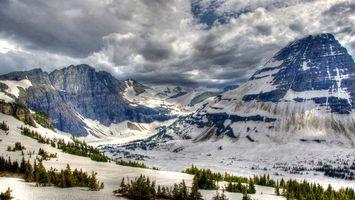Бесплатные фото горы,скалы,снег,деревья,небо,облака,природа