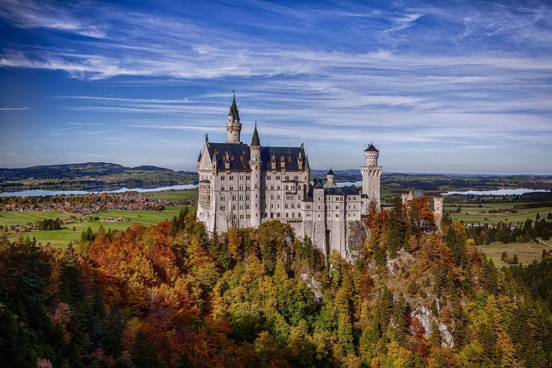 Фото бесплатно Neuschwanstein Castle, Bavaria, Germany, Замок Нойшванштайн, Бавария, Германия, пейзажи