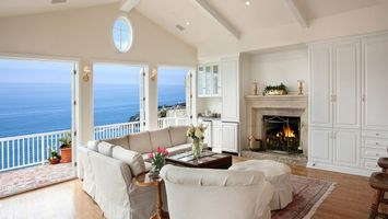 Бесплатные фото гостиная,диван,кресла,белые,камин,огонь,интерьер