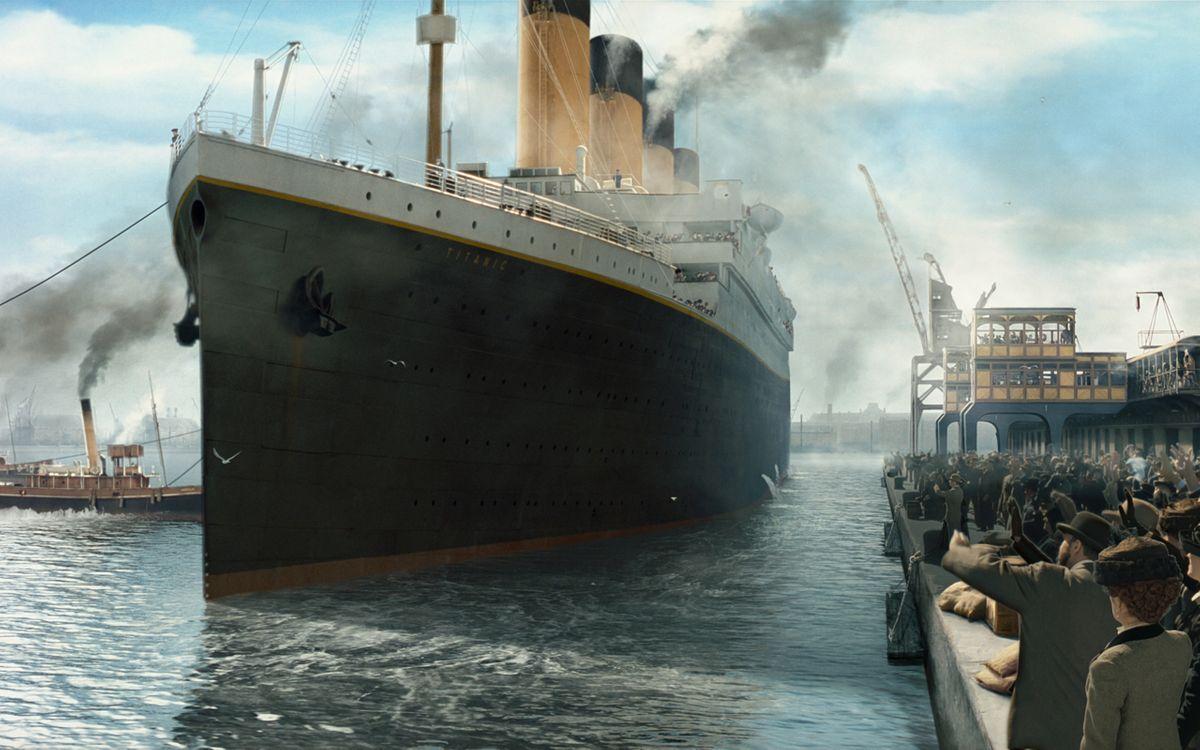 Фото бесплатно корабль, палуба, море, океан, дым, люди, волны, небо, облака, разное, корабли