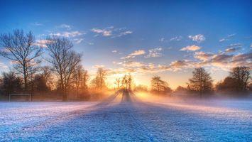 Фото бесплатно восход, футбольное поле, осень