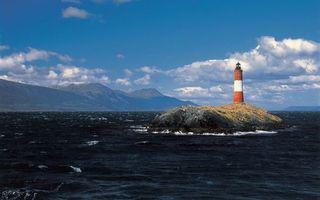 Бесплатные фото море,волны,маяк,горы,небо,облака,природа