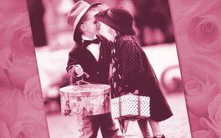 Заставки пара, мальчик, девочка, коробки, подарки, друзья, розы