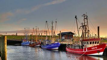 Бесплатные фото причал, корабли, вода, море, небо, дом, город