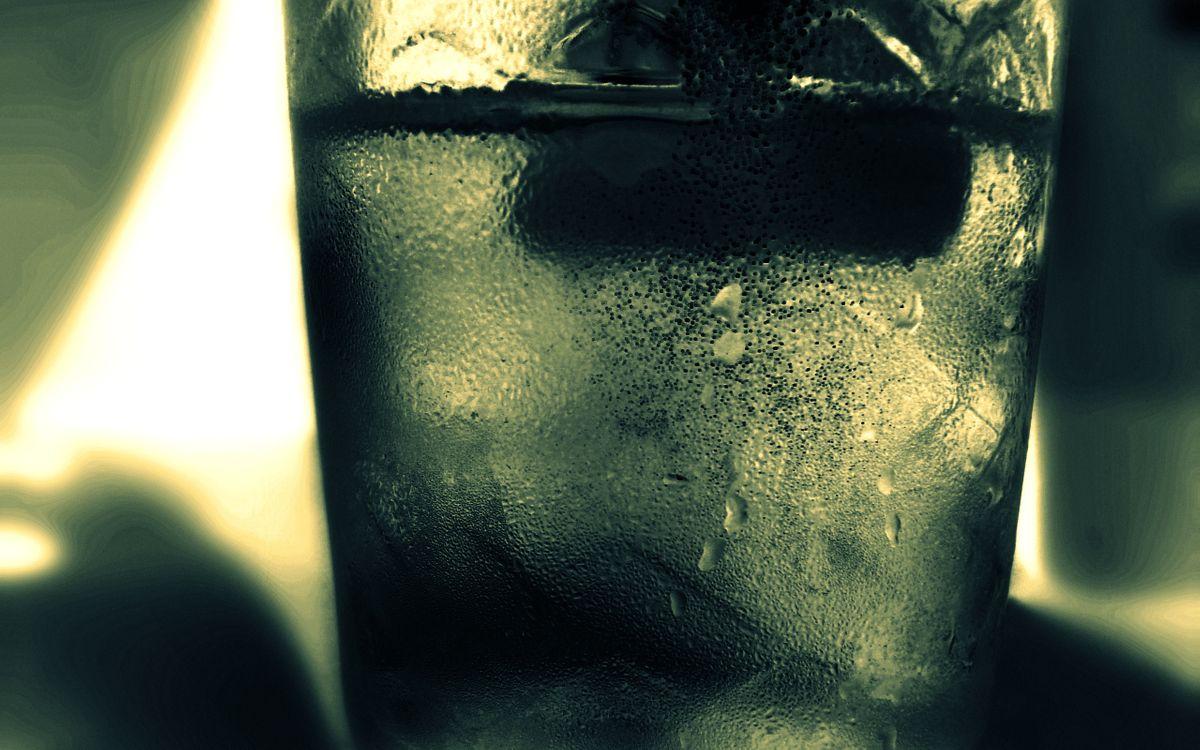 Фото бесплатно стакан, стеклянный, напиток, холодный, лед, капли, напитки, напитки - скачать на рабочий стол