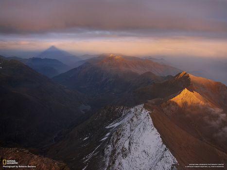 Бесплатные фото горы,сумерки,тучи,national geographic,снег,закат,природа