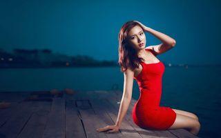 Бесплатные фото девушка,китаянка,волосы,прическа,платье,красное,берег