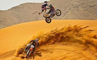 Бесплатные фото мотоцикл,спортсмен,человек,мотоциклист,пустыня,гонка,соревнование