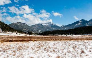 Бесплатные фото поле в горах,трава,снег,деревья