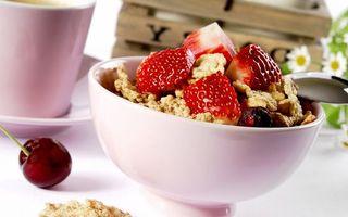 Фото бесплатно завтрак, клубника, сливки