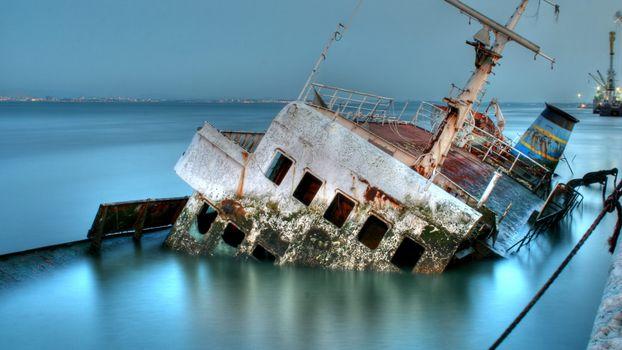 Photo free ship, sunken, rusty