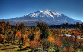 Фото бесплатно гора, осень, деревья