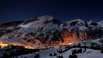 Бесплатные фото горы,свет,деревья,лес,деревня,поселение,зима