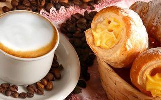 Фото бесплатно круассаны, зерна, кофе
