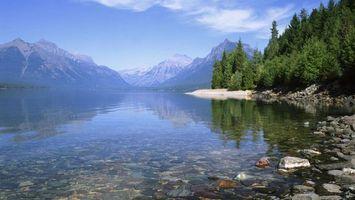 Фото бесплатно озеро, камни, деревья, лес, горы, небо