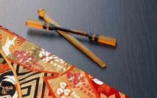 Бесплатные фото палочки,лопатка,салфетка,скатерть,орнамент,узор,рисунок