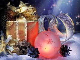 Бесплатные фото шарик,ленточка,подарок,шишки,снежинки,звезды,снег