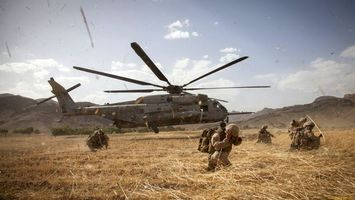 Photo free helicopter, blade soldiers, backpacks