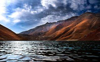 Бесплатные фото вода,река,песок,горы,тучи,небо,скалы