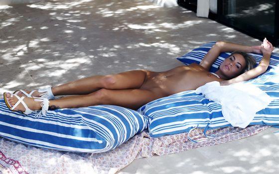 Бесплатные фото девушка,голая,отдых,эротика