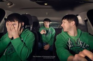 Бесплатные фото настроение,состояние,мужчина,авто,эмоции,жест,палец