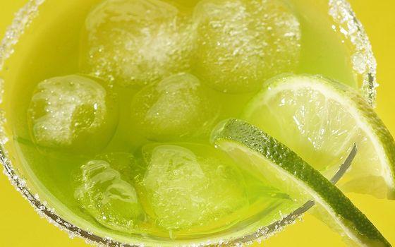 Бесплатные фото лимон,дольки,напиток,лед,стакан,разное