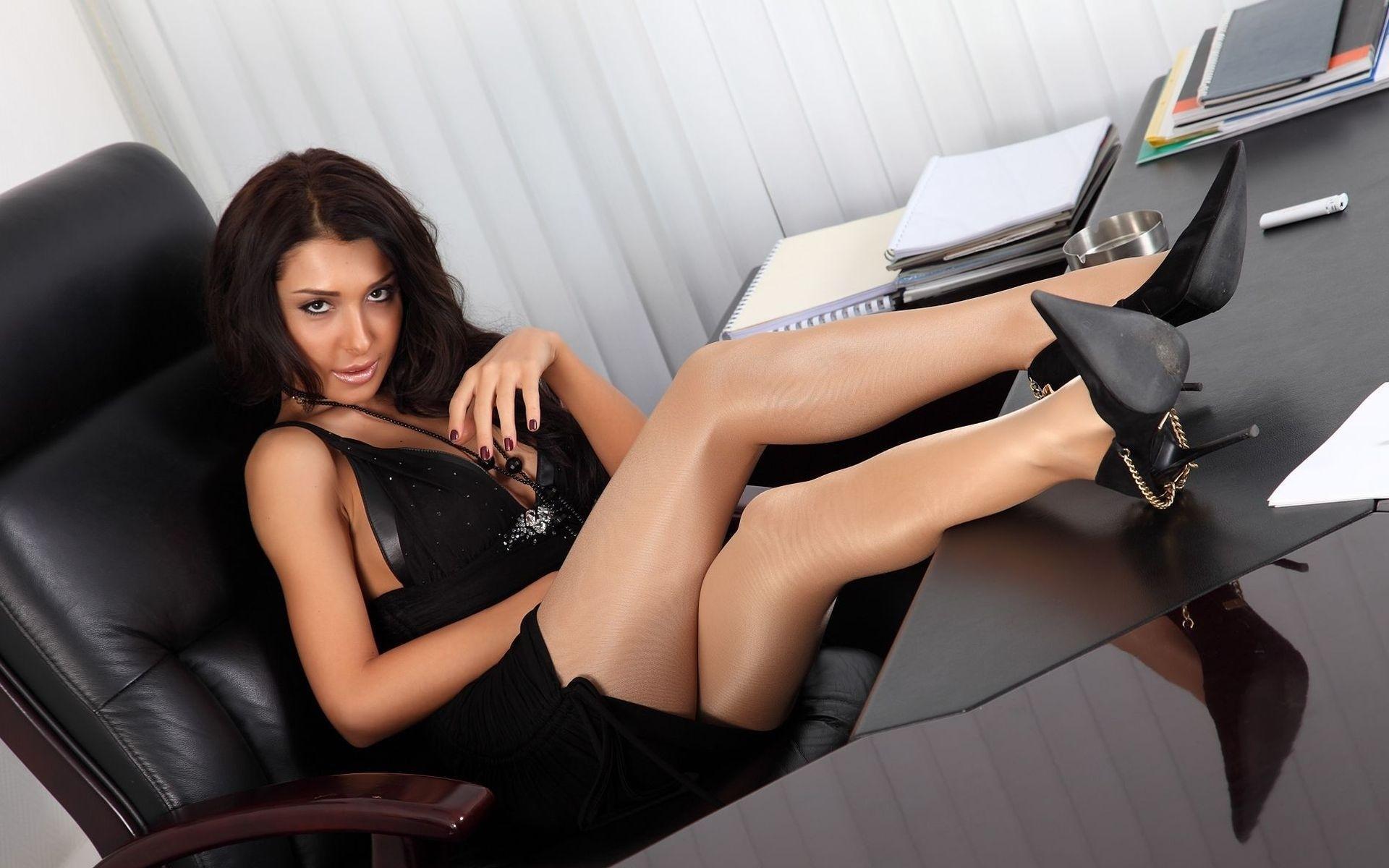 Фото в деловой юбке в колготки, Колготки делового стиля: цвет колготок и чулок для 9 фотография