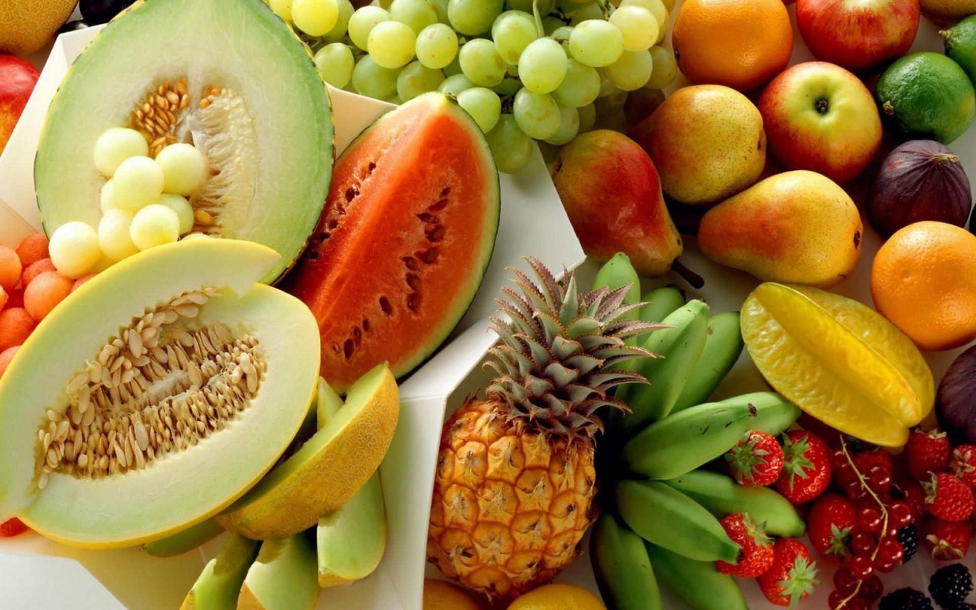 фрукты, груши, клубника