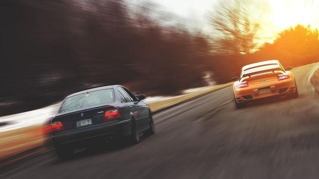 Бесплатные фото гонка,скорость,азарт,состязание,порше,бмв,машины