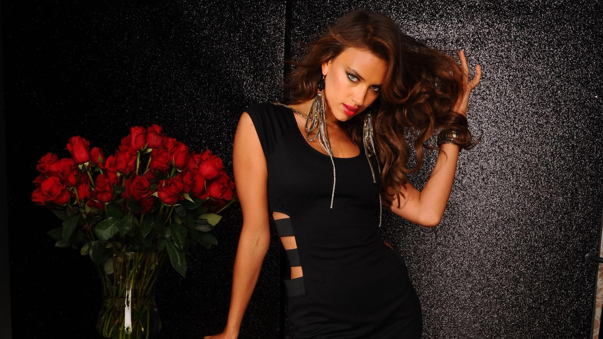 Фото модели в черном платье 105